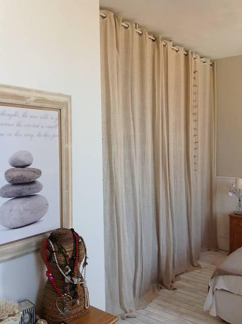 Maison La Rochelle: Chambre de style de style Moderne par Concept'in
