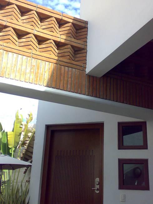 casa 1050: Casas de estilo moderno por Hussein Garzon arquitectura
