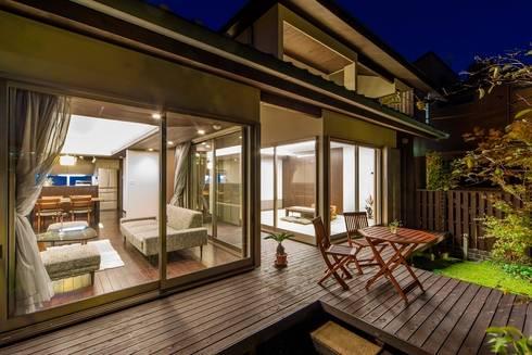 O邸デッキ: 株式会社 斎藤政雄建築事務所が手掛けた家です。