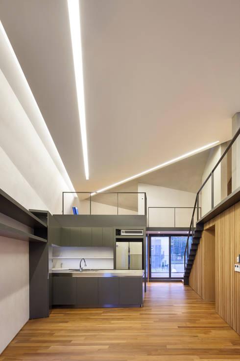Projekty,  Salon zaprojektowane przez JOHO Architecture