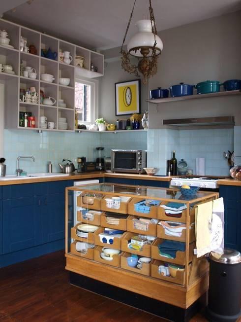 Blackheath London Townhouse: modern Kitchen by Egon Design