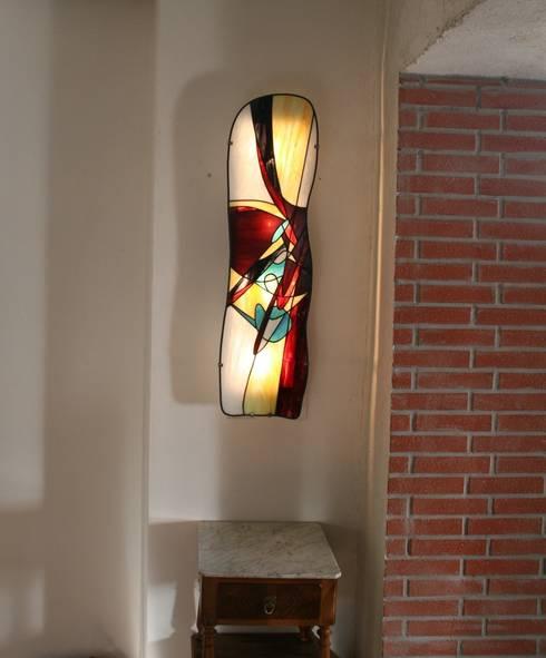 ETHNA - Applique murale en vitrail Tiffany: Art de style  par Lumière et Vitrail
