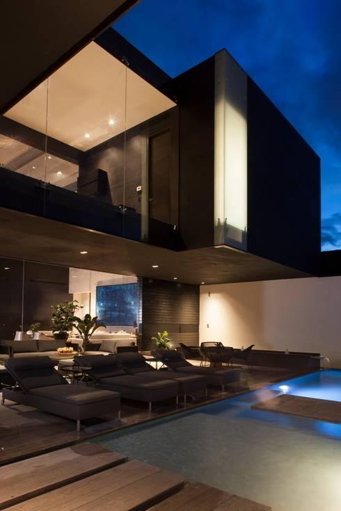 Casa CH: Casas de estilo  por GLR Arquitectos