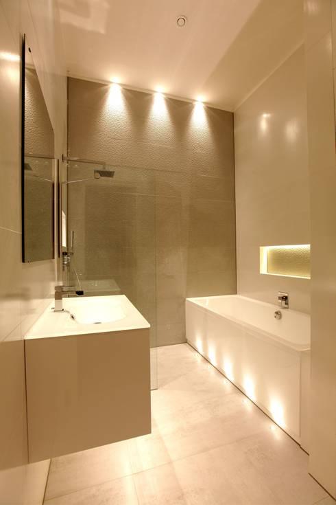 Paleis-Hof:  Badkamer door Buro Spoormaker