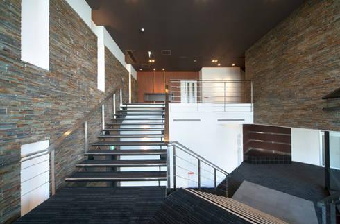 丸久ビル: トヨダデザインが手掛けたオフィスビルです。