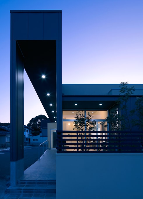 U animal clinic: トヨダデザインが手掛けた家です。