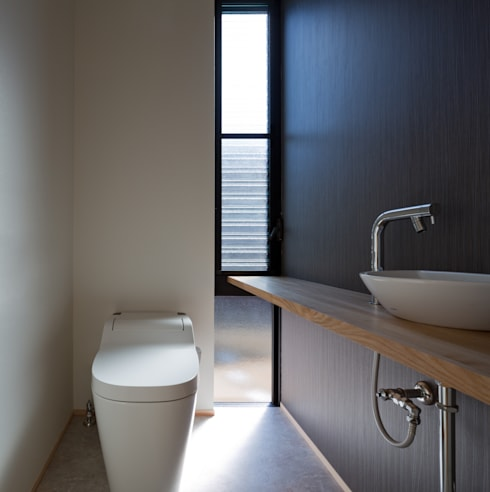PLEASANT ANGLE HOUSE: 株式会社プラスディー設計室が手掛けた浴室です。