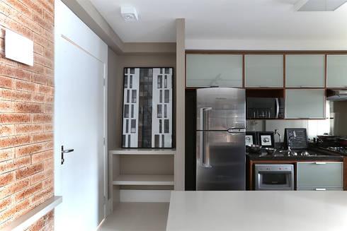 Paulinia   Decorados: Cozinhas modernas por SESSO & DALANEZI