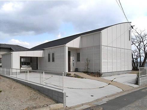 北西外観: アトリエ優 一級建築士事務所が手掛けた家です。