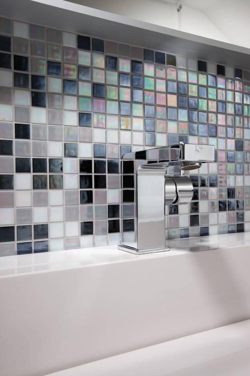 Banheiros  por FingerHaus GmbH