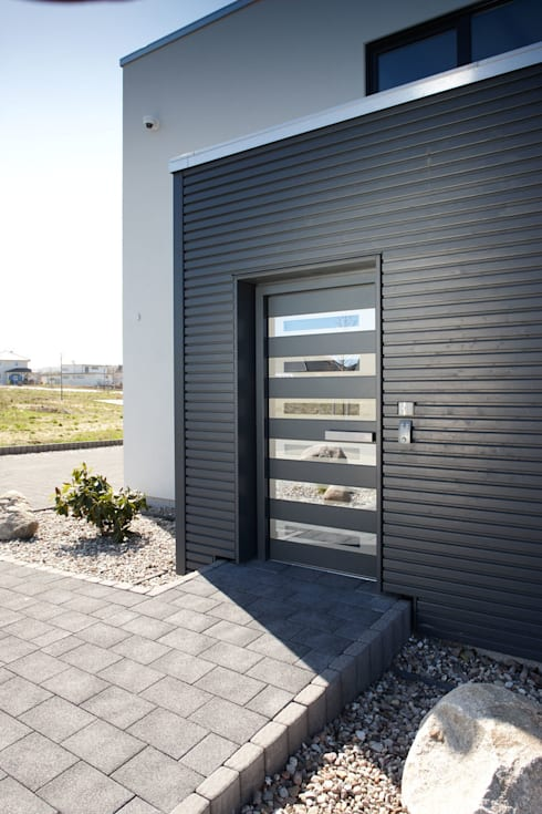 Cửa trước by FingerHaus GmbH