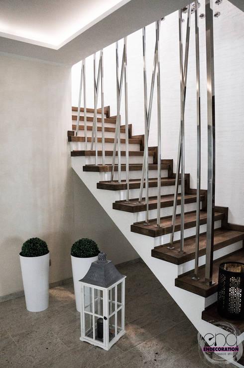 Dom pod Zambrowem : styl , w kategorii Korytarz, przedpokój zaprojektowany przez EnDecoration