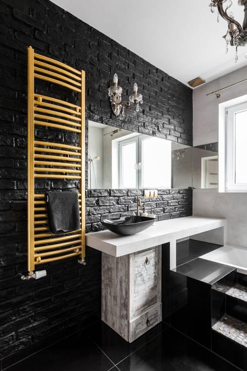 Łazienka styl eklektyczny - trochę klasyki, trochę nowoczesności i zabawa formą !: styl , w kategorii Łazienka zaprojektowany przez Archikąty