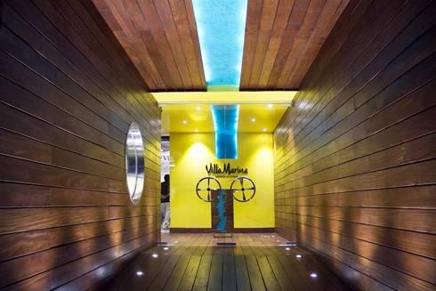 Entrada principal: Restaurantes de estilo  por Vulca Studio
