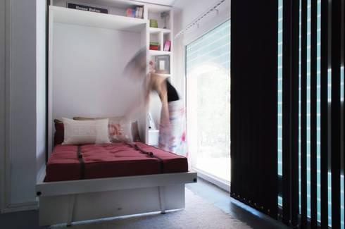 Cama rebatible individual: Dormitorios de estilo minimalista por MINBAI