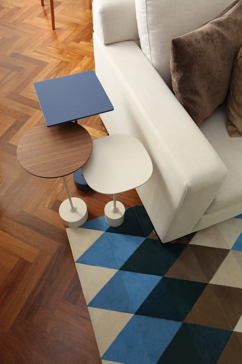 Salas de estilo  por Renata Romeiro Interiores