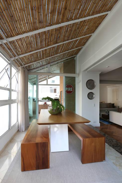 Apartamento Higienópolis/SP: Jardins de inverno modernos por Renata Romeiro Interiores