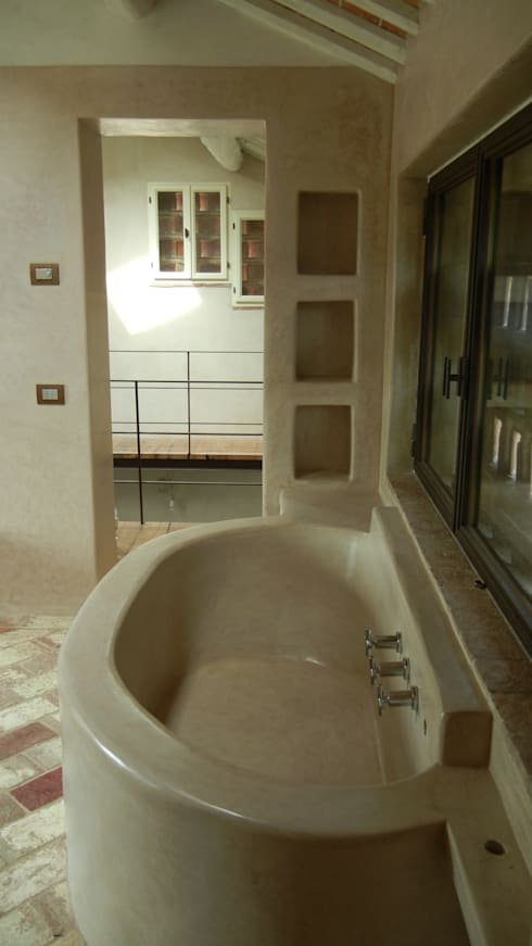 Tadelakt di Marrakech-Sala da bagno color tortora di Tadelakt ...