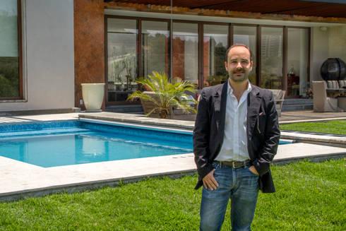 Arq. Mauricio Zapiain L: Albercas de estilo moderno por Maz Arquitectos