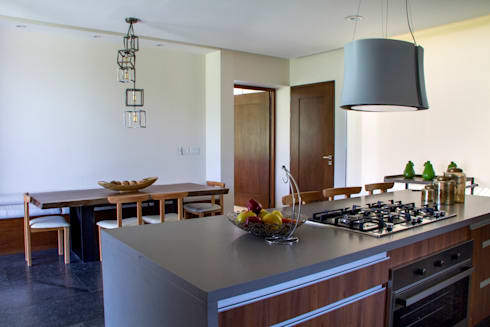 Casa 4 Puntos / Club de Golf BR: Cocinas de estilo moderno por Maz Arquitectos