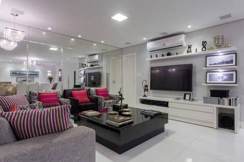Sala de Estar e Home: Salas de estar modernas por Bruno Sgrillo Arquitetura