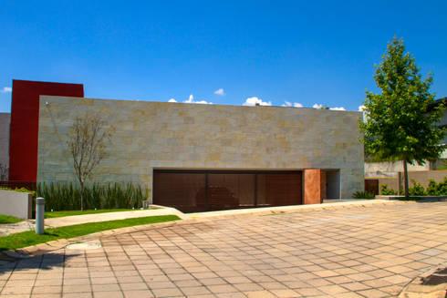 Casa 4 Puntos / Club de Golf BR: Casas de estilo moderno por Maz Arquitectos