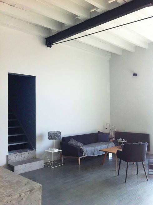 transformation d 39 un hangar en loft par c line peyre architecture int rieure homify. Black Bedroom Furniture Sets. Home Design Ideas