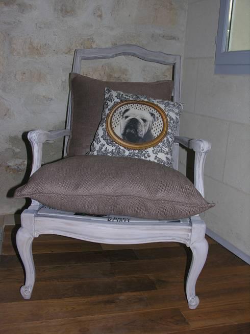 comment transformer un vieux fauteuil how to convert an old armchair par l 39 me de bois homify. Black Bedroom Furniture Sets. Home Design Ideas