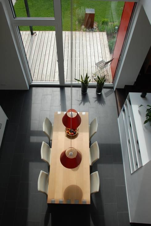 EFH Van den Berg, Neftenbach: moderne Esszimmer von Binder Architektur AG