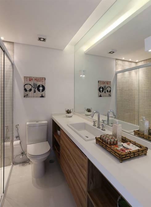 Cobertura - Pinheiros: Banheiros modernos por MANDRIL ARQUITETURA E INTERIORES