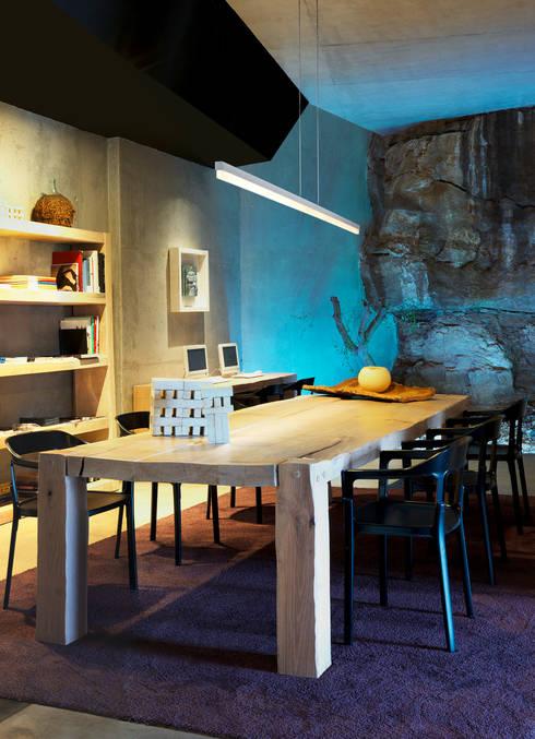 CIRC, Hospitality Lighting: Comedor de estilo  de LEDS-C4