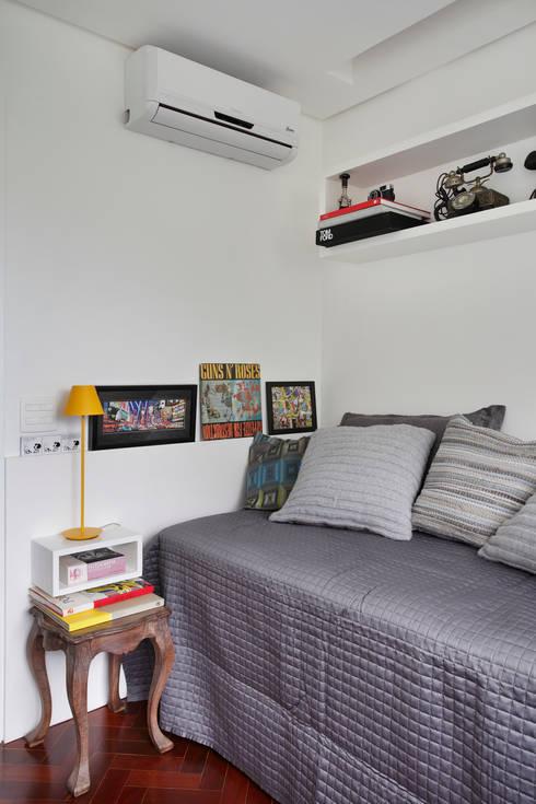 Apartamento 08: Quartos  por Estúdio Barino | Interiores