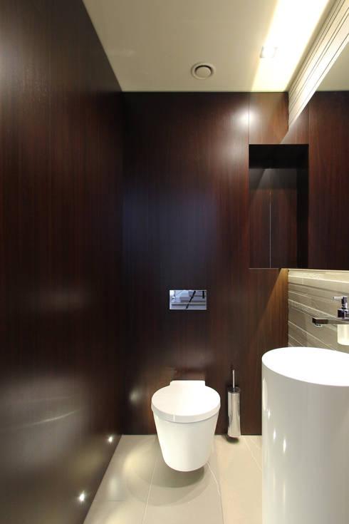 Dom jednorodzinny w Chybach: styl , w kategorii Łazienka zaprojektowany przez Studio Nomo