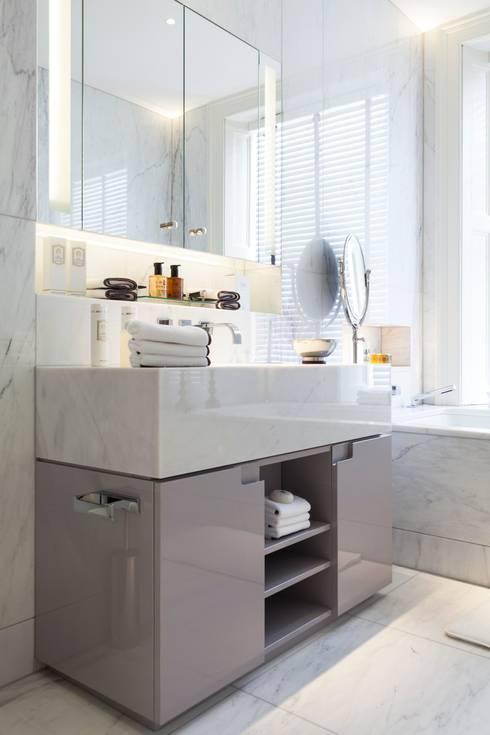 Vanity Unit:  Bathroom by Ligneous Designs