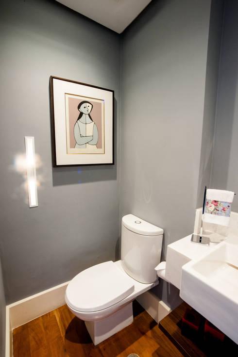 Lavabo: Banheiros modernos por Casa 2 Arquitetos