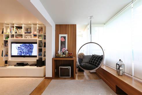 Living: Salas de jantar modernas por Casa 2 Arquitetos