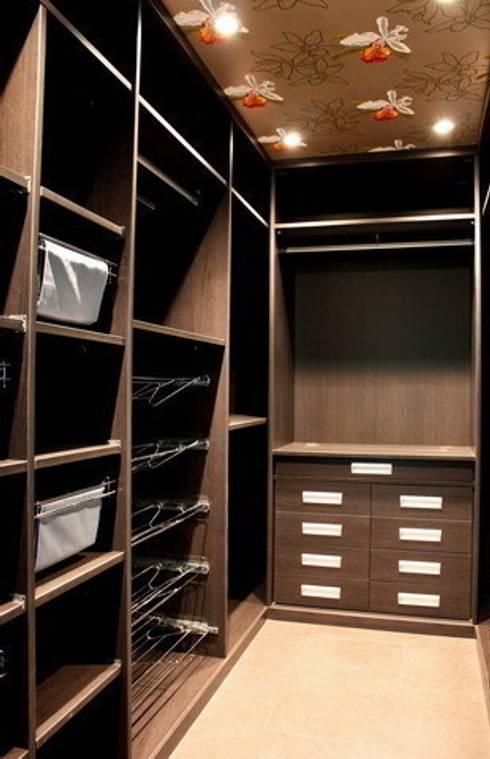 La cabina armadio angolare: 10 soluzioni intelligenti!