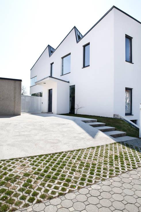 Ansicht Zugang:  Häuser von MARTIN MOSTBÖCK