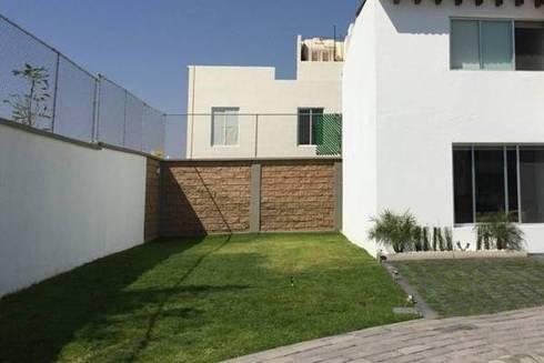 El jardín antes, Méxio DF, 90 m2:  de estilo  por Zen Ambient