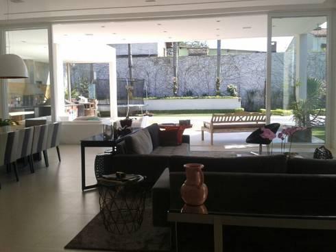 living: Salas de jantar modernas por Arquitetura Juliana Fabrizzi