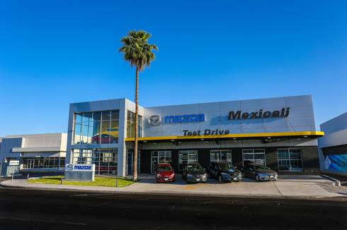 MAZDA MEXICALI,MEXICO: Concesionarias de automóviles de estilo  por Grupo HEER arquitectura + contruccion