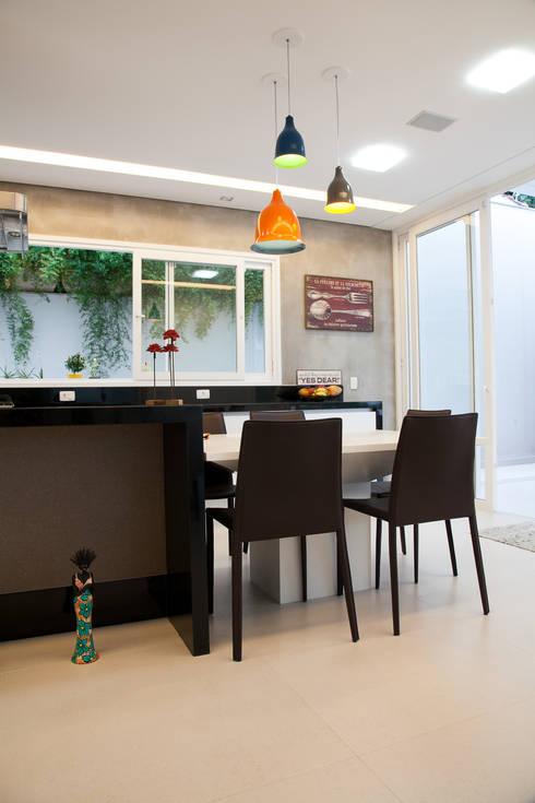 cozinha : Cozinhas modernas por Arquitetura Juliana Fabrizzi