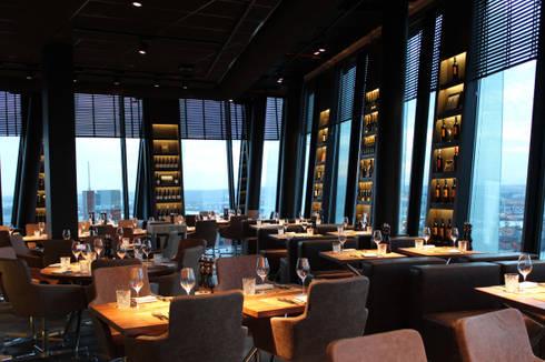 wagner restaurant clouds heaven s bar kitchen in hamburg im h chsten restaurant der stadt. Black Bedroom Furniture Sets. Home Design Ideas