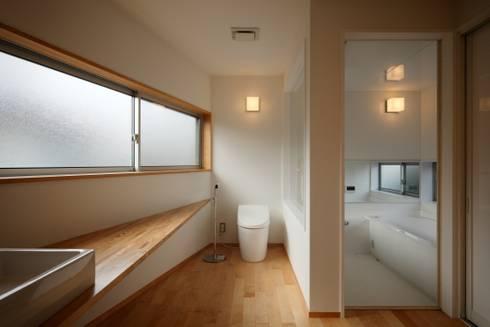 門田屋敷ハウス: FOMES designが手掛けた浴室です。