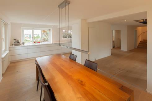 Essen - Küche: moderne Esszimmer von von Mann Architektur GmbH