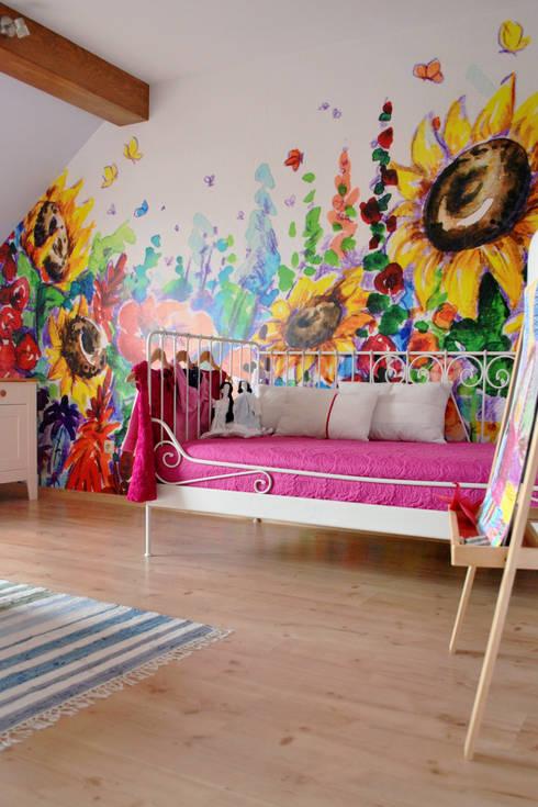 POKÓJ DLA DZIEWCZYNKI: styl , w kategorii Pokój dziecięcy zaprojektowany przez IMPAST