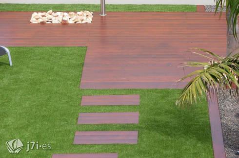 7. Vista general desde la vivienda: Jardines de estilo minimalista de Jardineria 7 islas