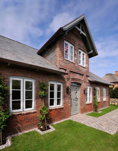 Historische Fassade : klassische Häuser von Ralph Justus Maus Architektur