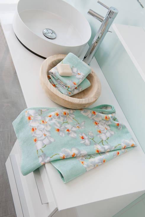 Salle de bain de style  par FEILER