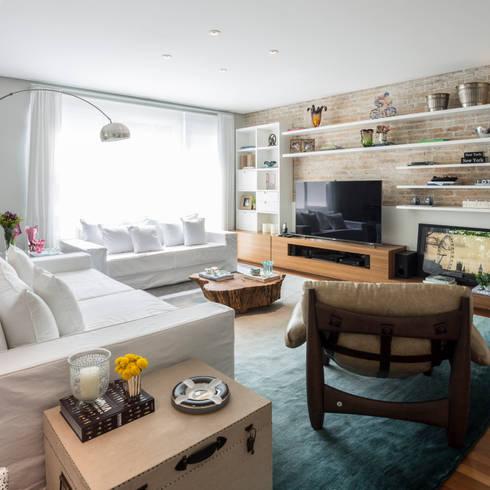 Casa Cidade Jardim: Salas de estar modernas por Boutique Arquitetura